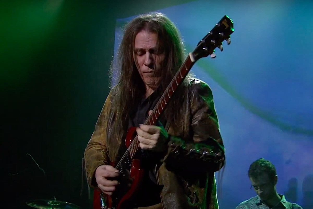 Frank Marino Retiring From Touring Due to Medical Condition