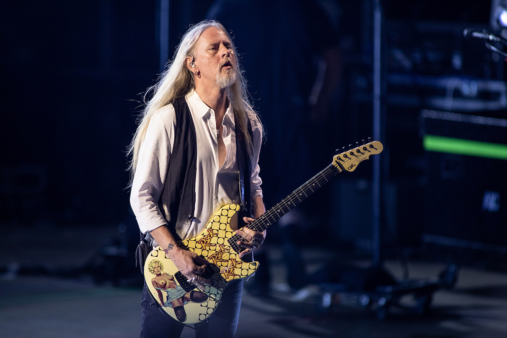 Jerry Cantrell - It's Healthy to Make Music Outside of Your Band