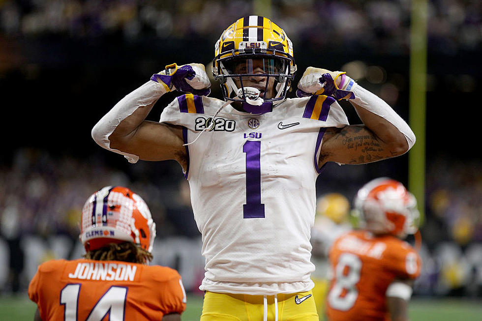 Two Lsu Football Players Named Preseason All Americans