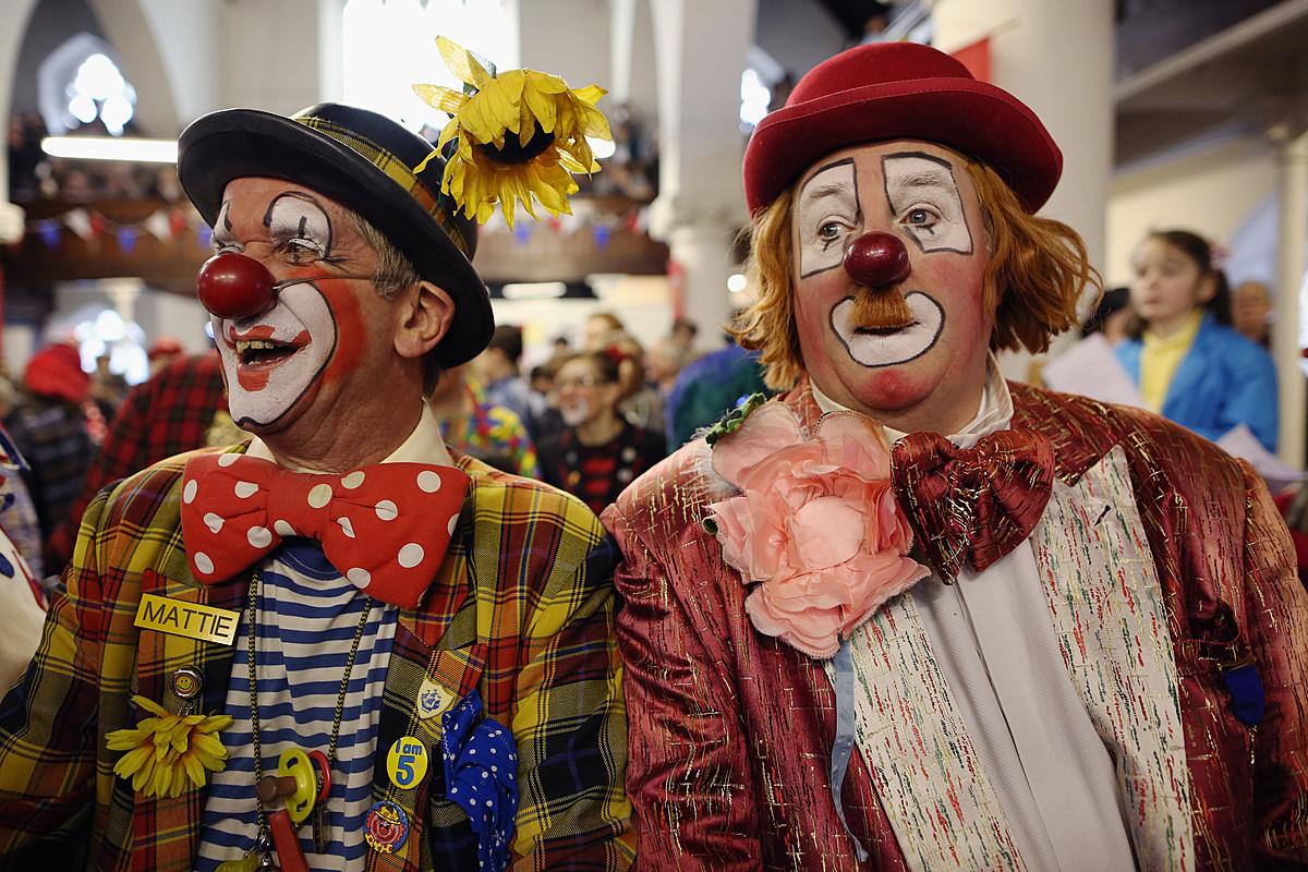 NJ school district cracks down on class 'clowns' with