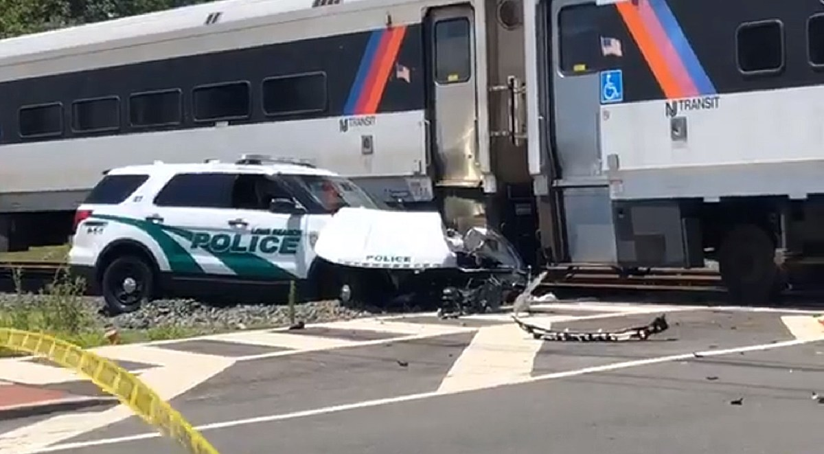NJ Transit train smashes into police SUV with officer inside