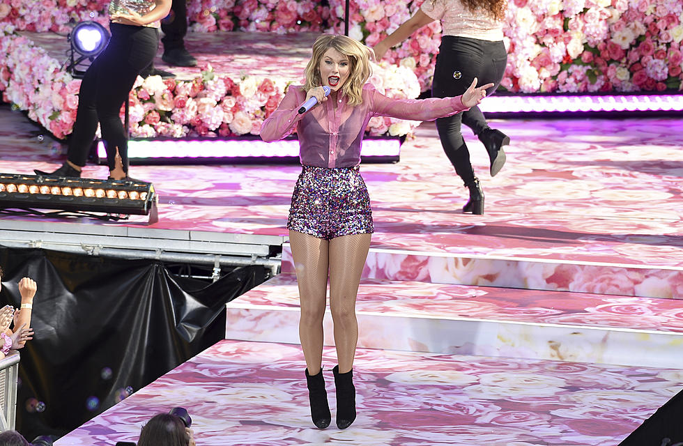 Taylor Swift Was Just Spotted Shopping At A Target In New Jersey