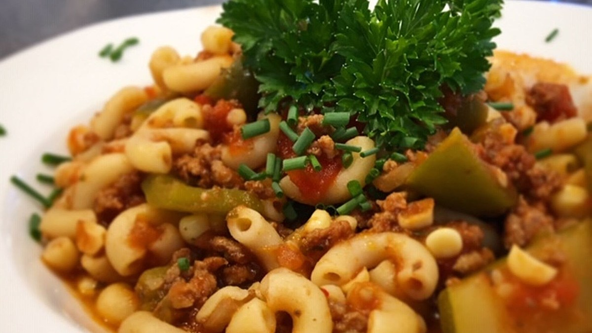 Jersey Fresh Goulash, perfect for fall — Foodie Friday