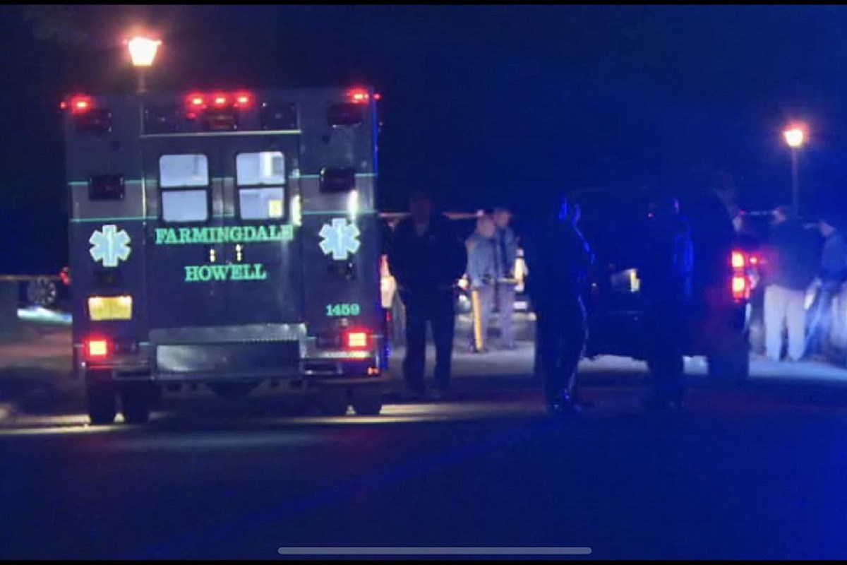 1 dead in police shooting, 2 miles from Howell roadway homicide