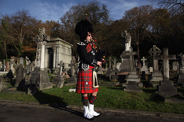 0c20bc812d6d Bagpiper Plays at Homeless Man s Funeral