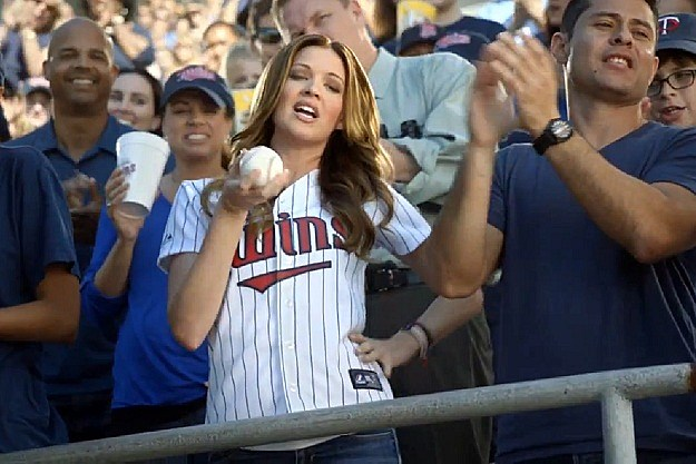 94b87ec79ed Who Is The Hot Girl in the Joe Mauer Head and Shoulders Commercial?