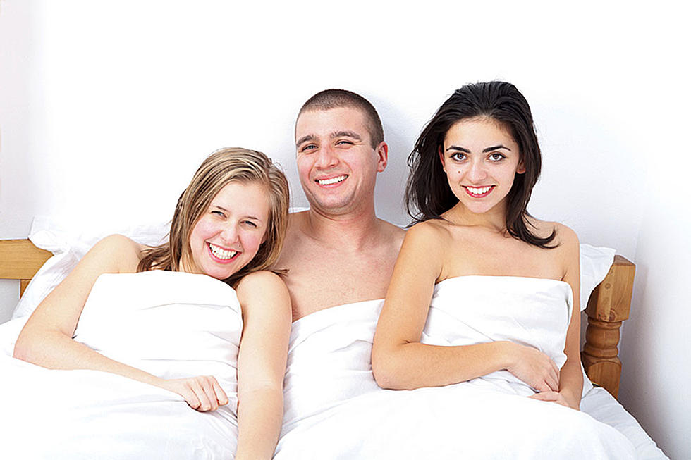 Threesome with 2 women