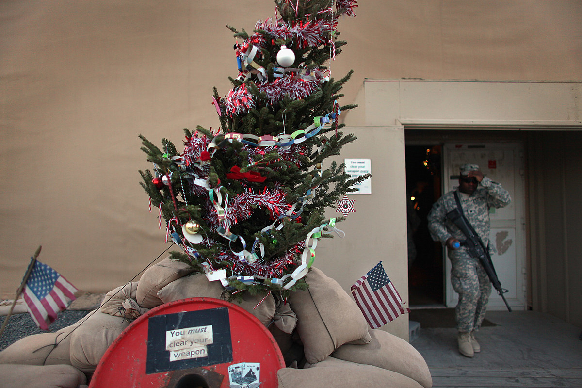Here's How To Send Christmas Cards To New Jersey Soldiers
