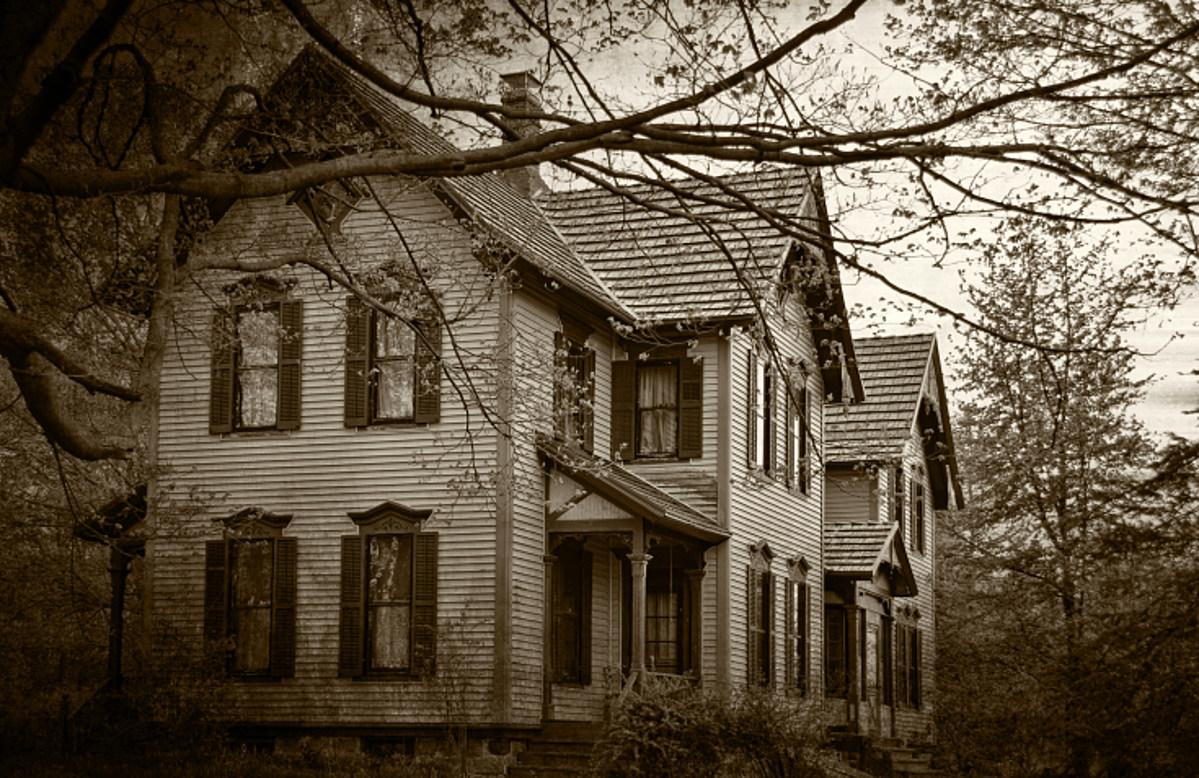 Listen - 5 Of The Strangest Things I've Recorded On Ghost Hunts