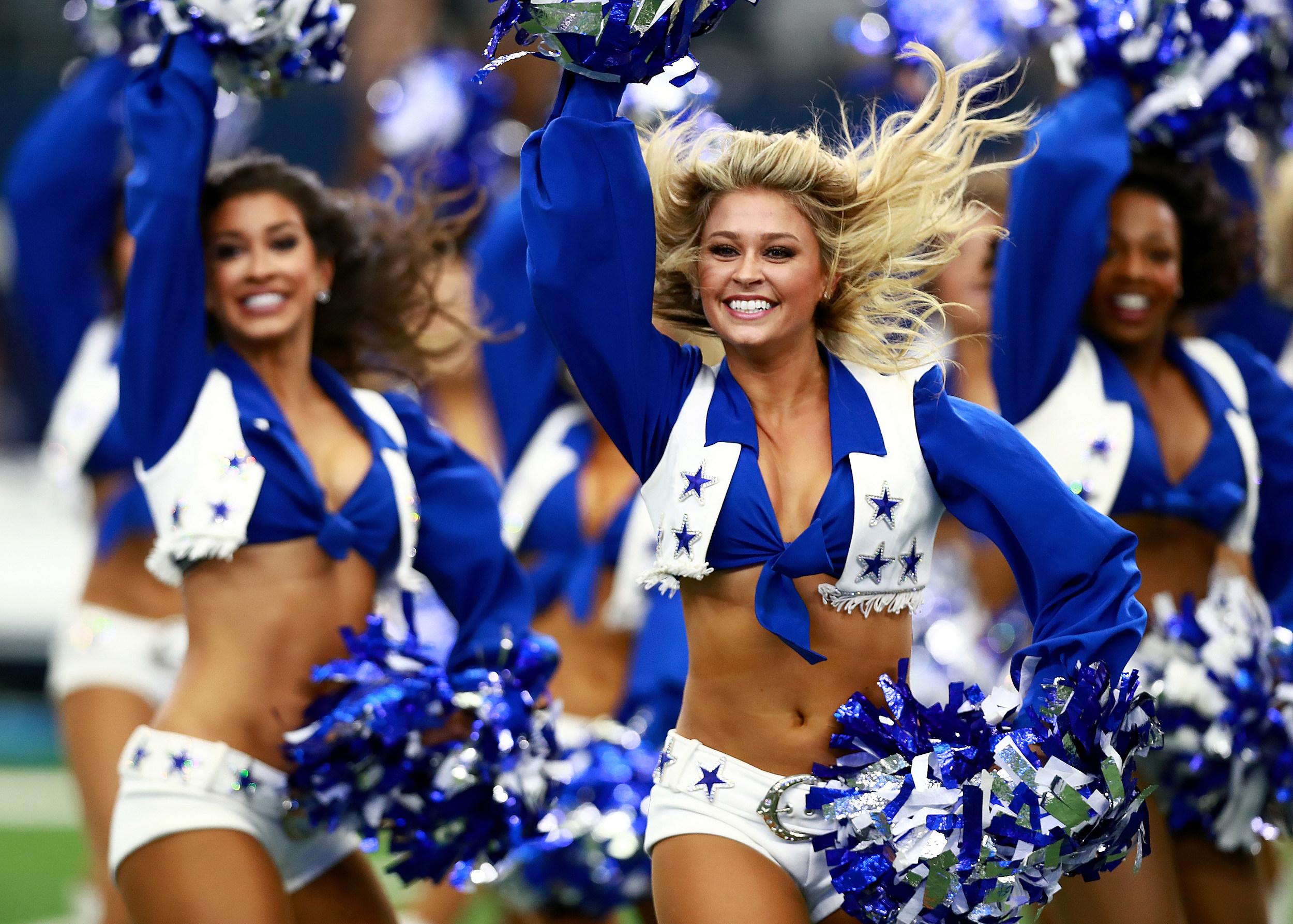 d85b6ba6cd3 Why Aren t Cheerleaders Kneeling with the NFL