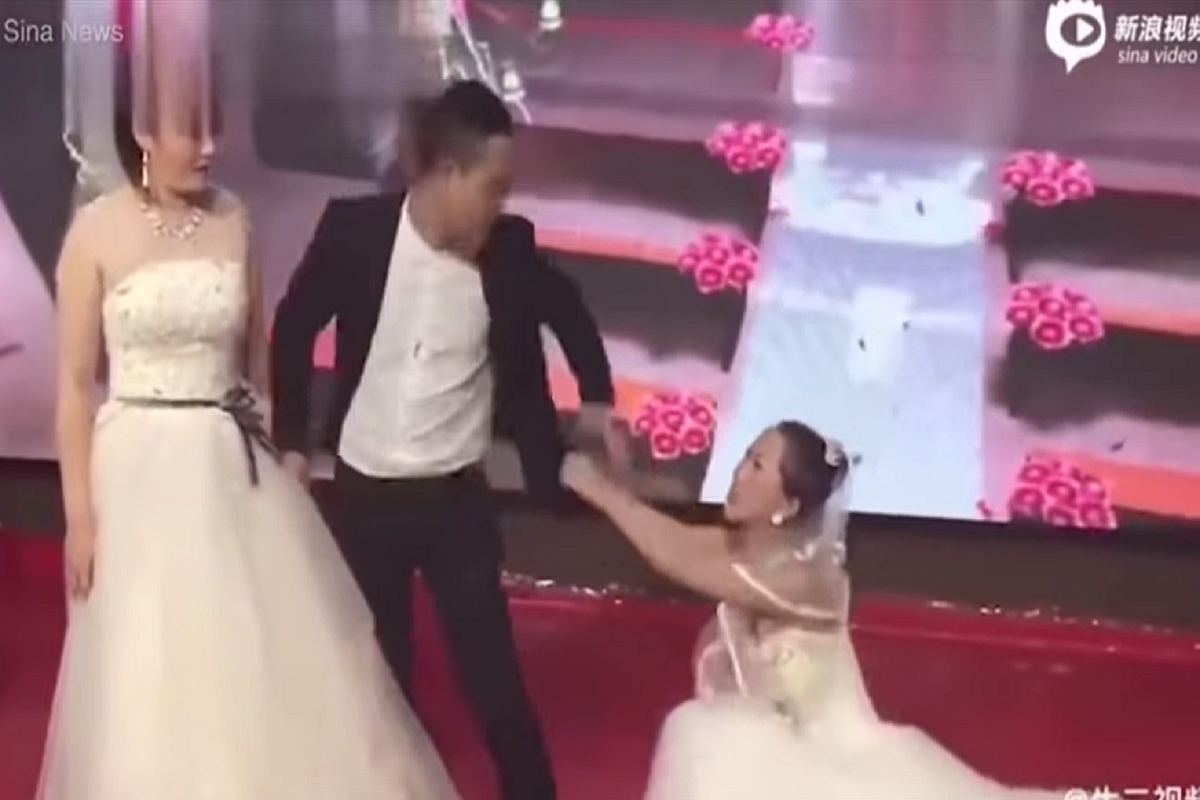 Groom's Ex Crashes His Wedding In Her Own Wedding Dress