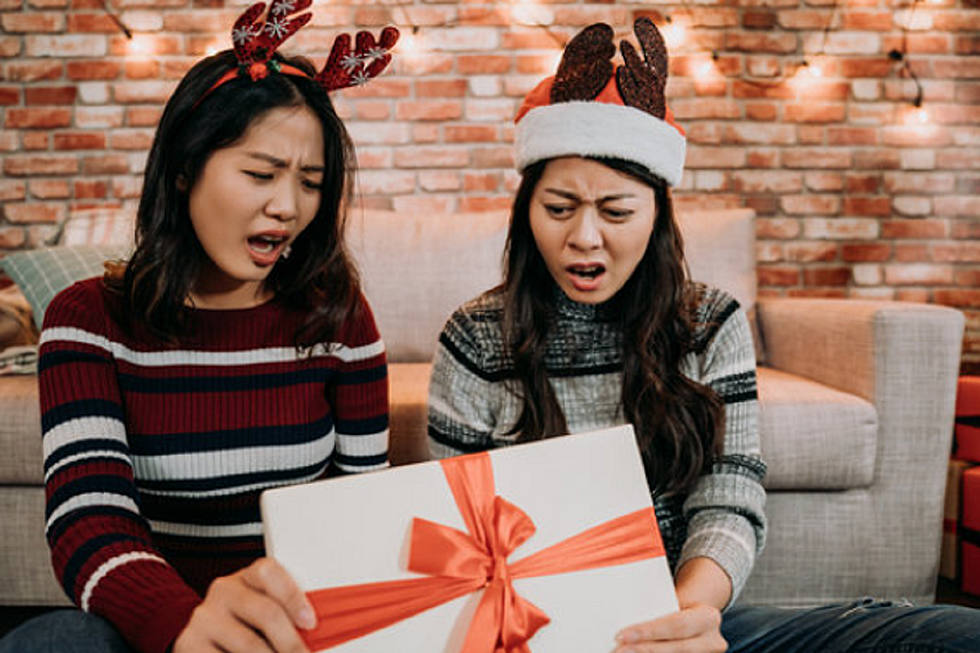 The 25 Worst Gifts Employees Have Ever Received