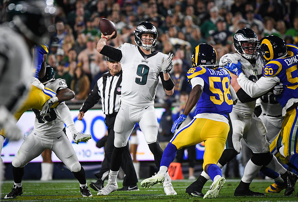 Eagles Stun the Rams, Playoff Hopes Remain Alive