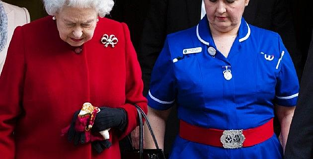 Queen Elizabeth Released from Hospital – Conspiracy Theorists ...