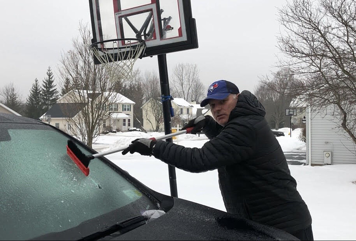 how to get ice off windshield
