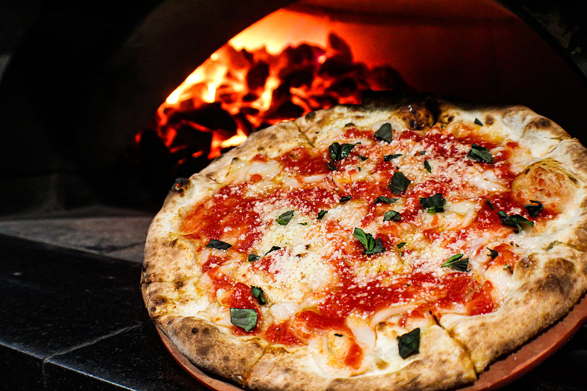 10 Utica and Rome Area Pizza Places That Deserve Way More Love And Attention