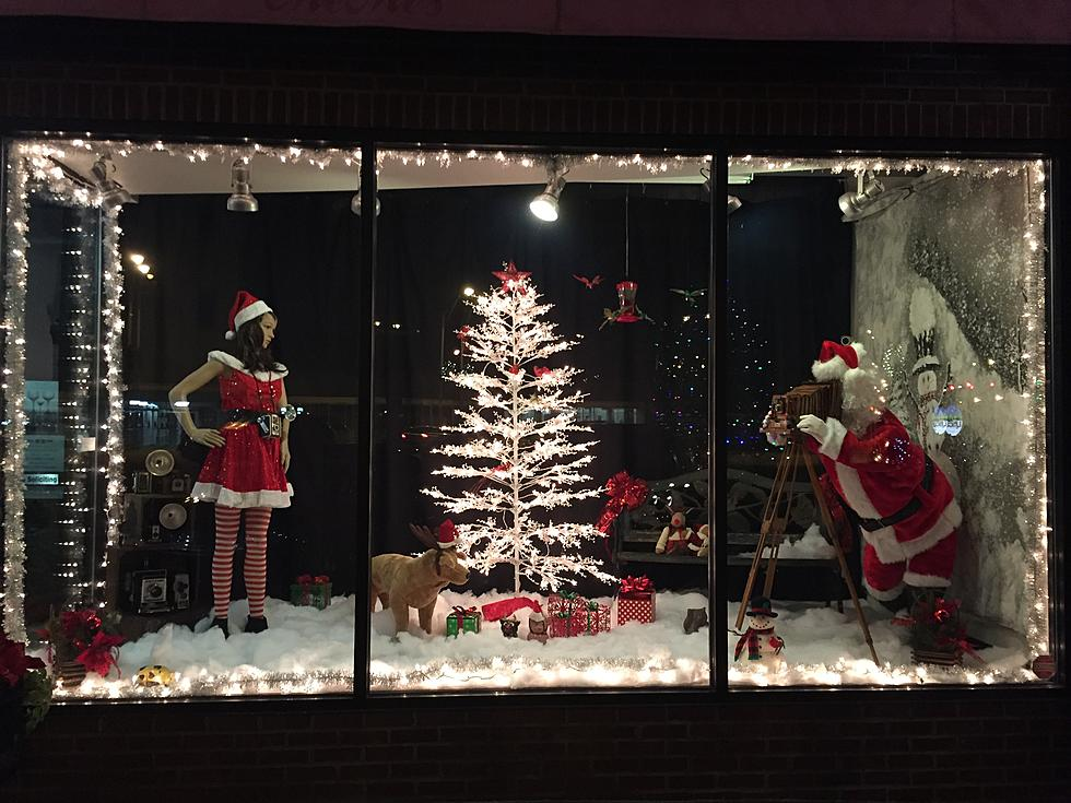 Christmas Window Displays.A Throwback Christmas Window Display In Utica