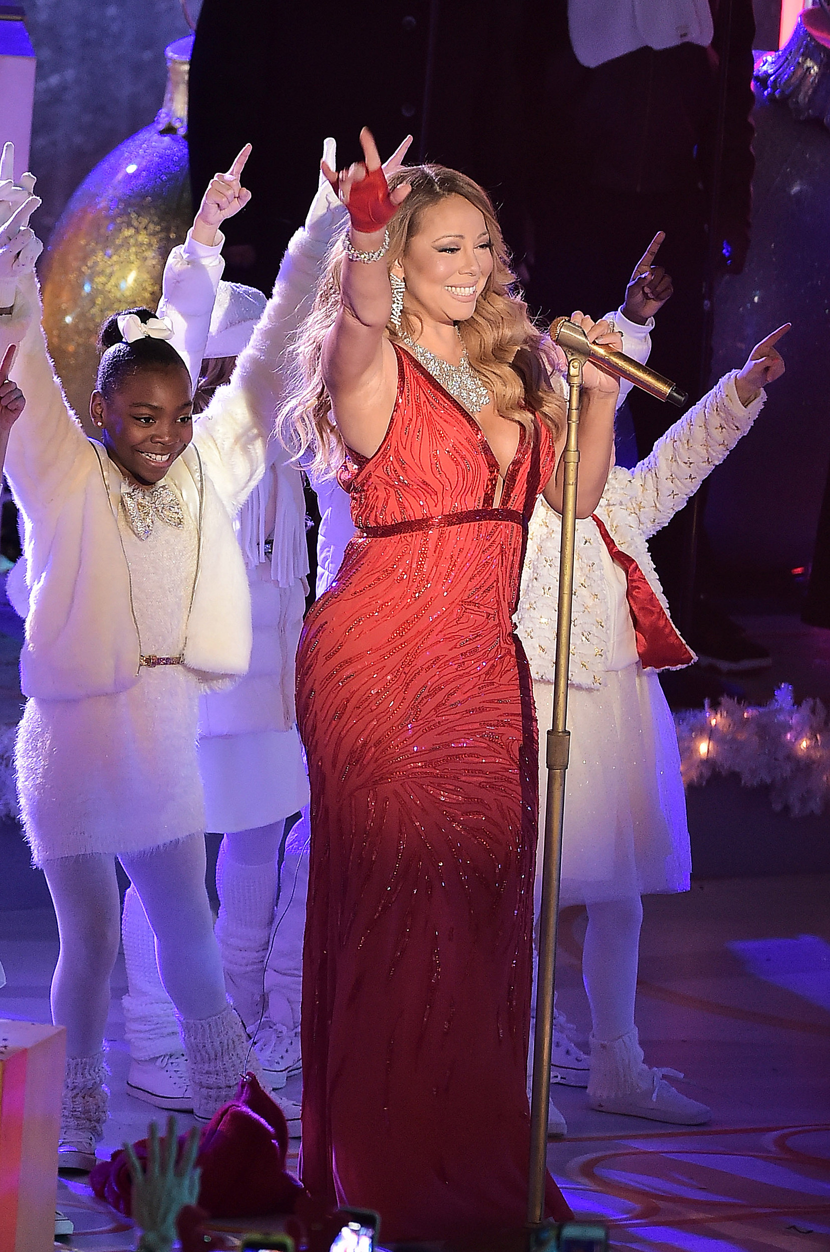 Mariah Carey All I Want For Christmas Mic Feed.Hear Mariah Carey S Isolated Vocals From Rockefeller 2014