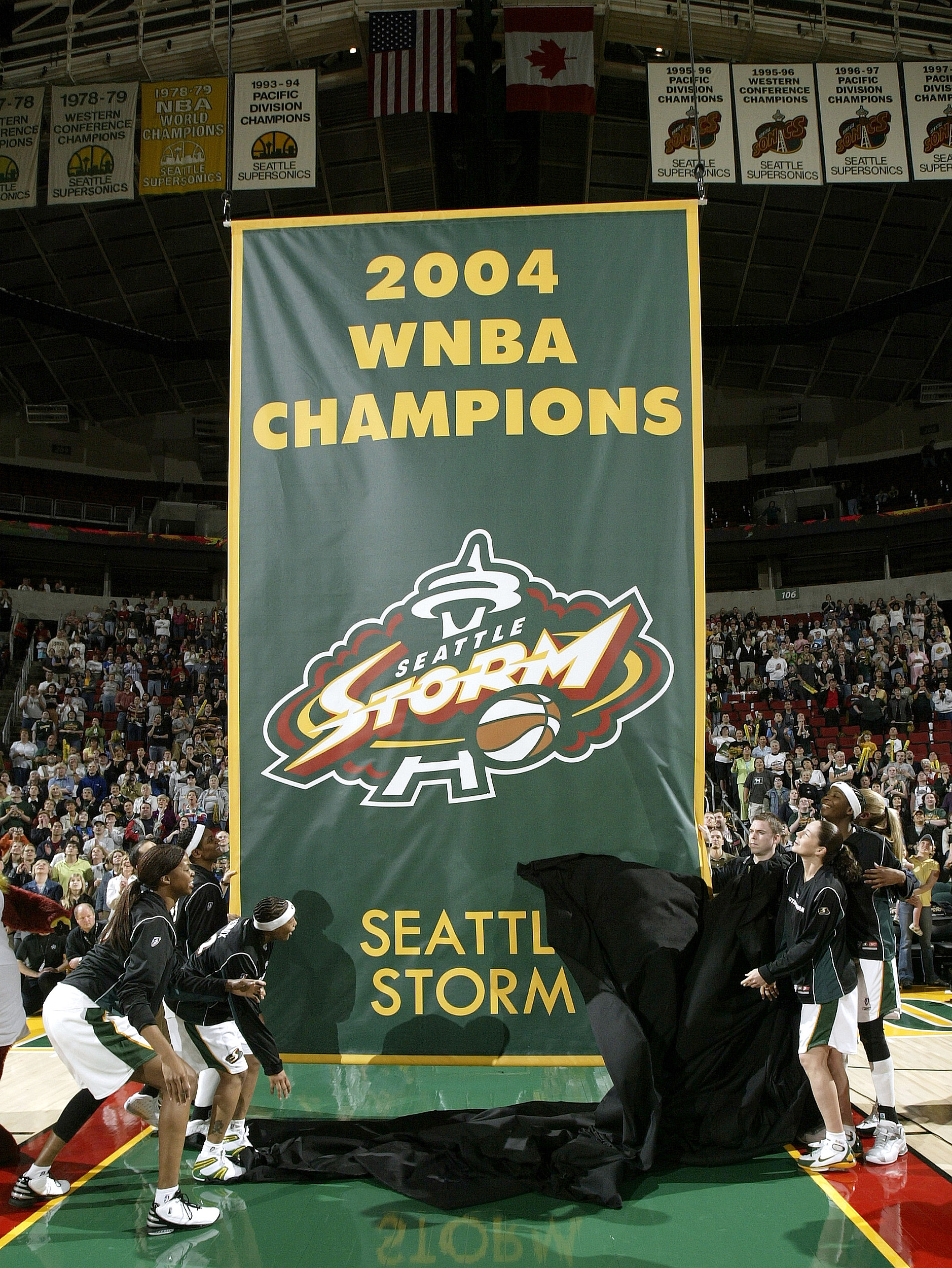 Storm Routs Las Vegas On A Wnba Record Breaking Night