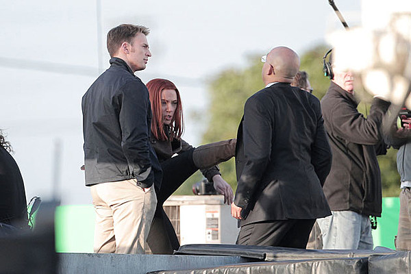 'Captain America 2′ Pics: Look Who The Cap and Black Widow Are Fighting…