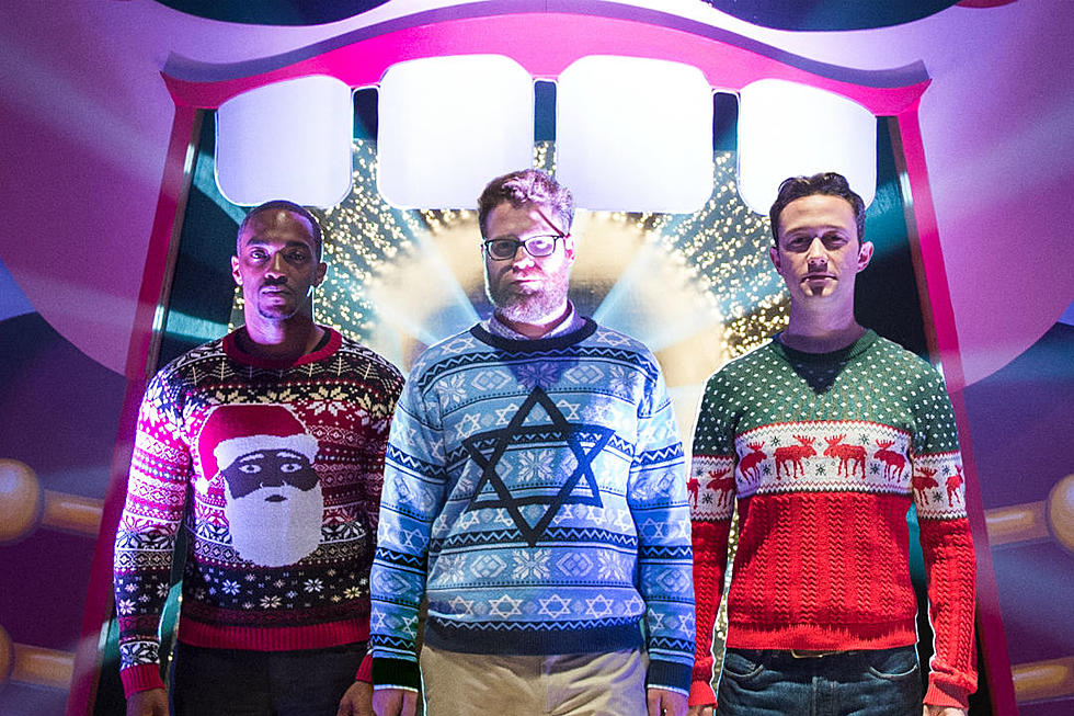 Seth Rogan Christmas.The Night Before Goes Green Band With New Trailer