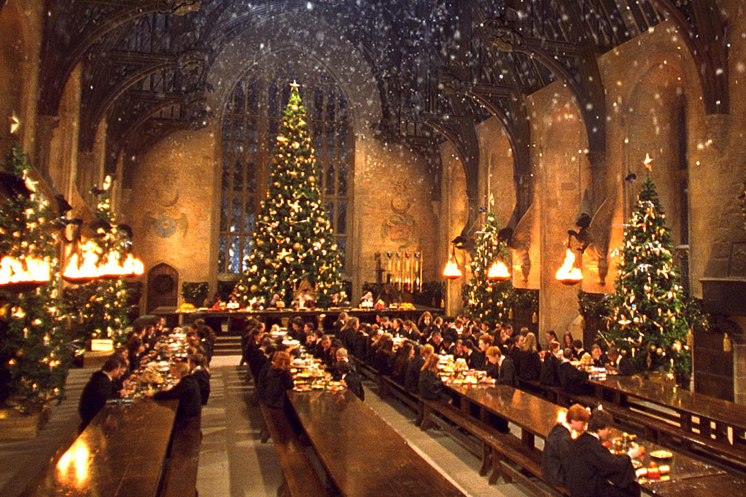 Harry Potter' Fans Can Eat Christmas Dinner at Hogwarts' Great Hall