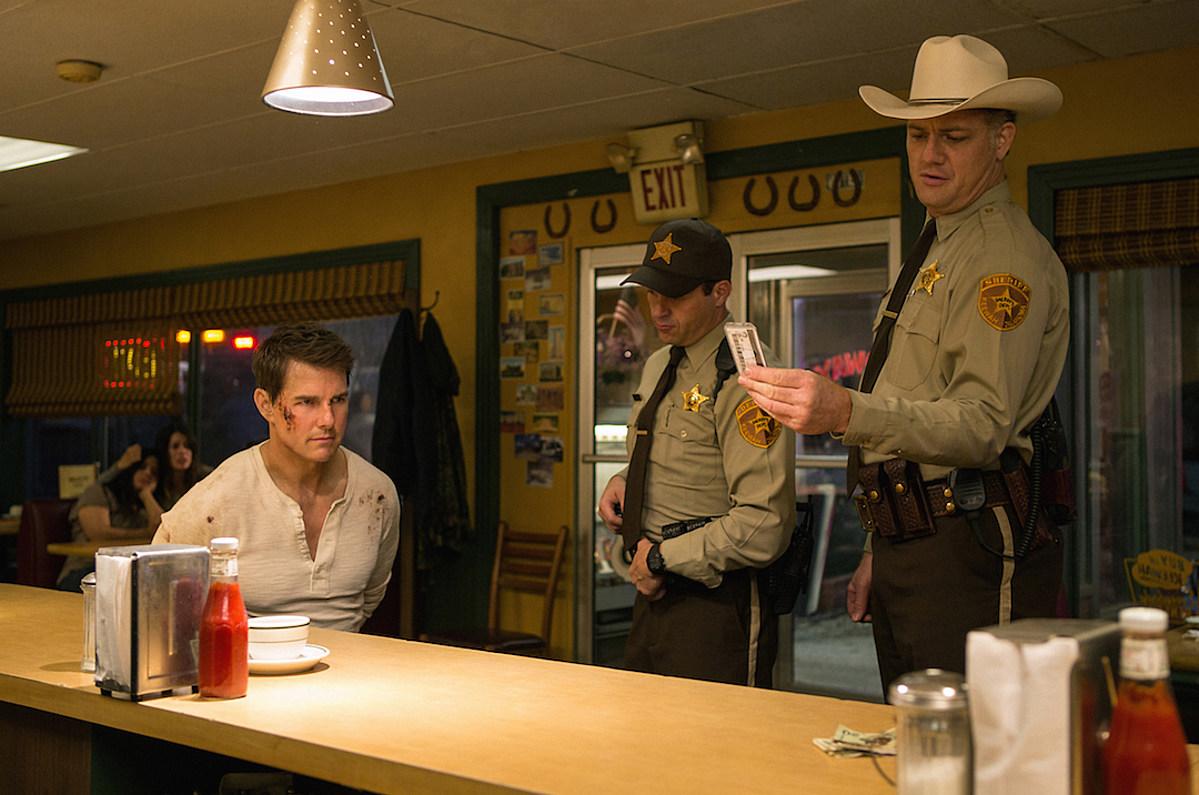 'Jack Reacher: Never Go Back' Trailer: Contrary to This ...