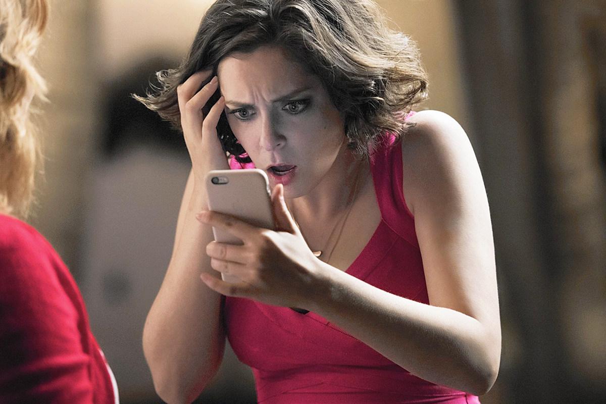 Crazy Ex-Girlfriend star Rachel Bloom gives birth to a