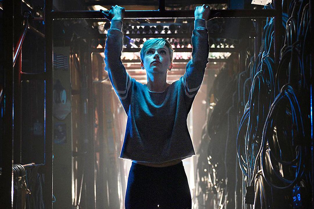 bde9b3ef2a9d0 Scarlett Johansson Undergoes SNL Training in Return Promos