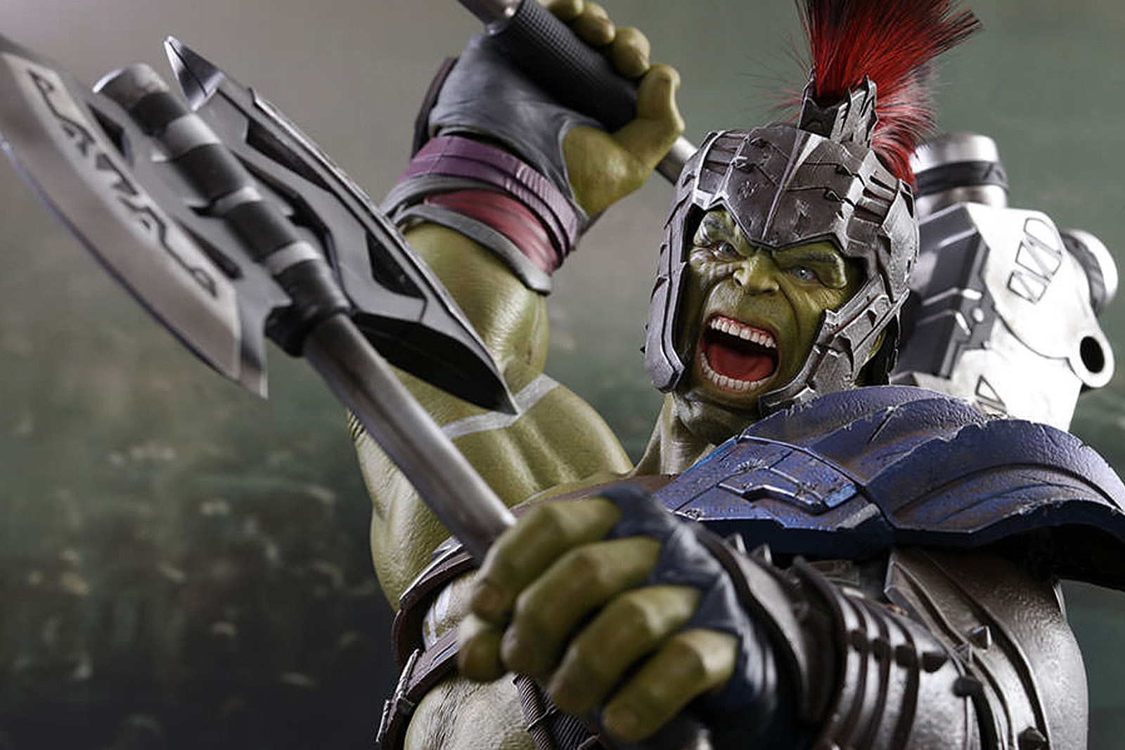 Hot Toys Unveils Gladiator Hulk And Thor Ragnarok Figures
