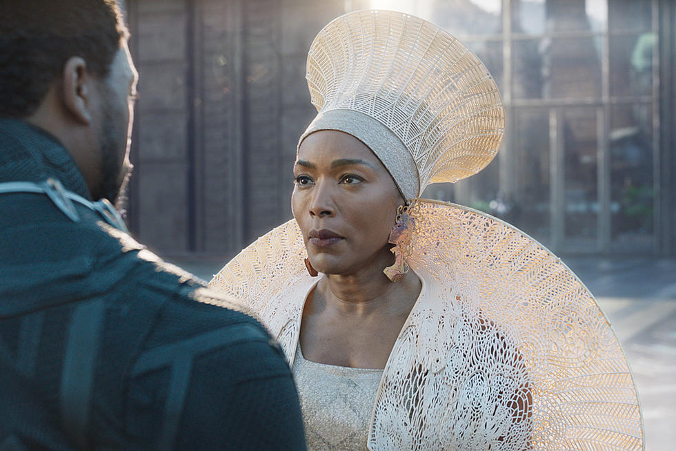rôle de Angela Bassett au film Black Panther