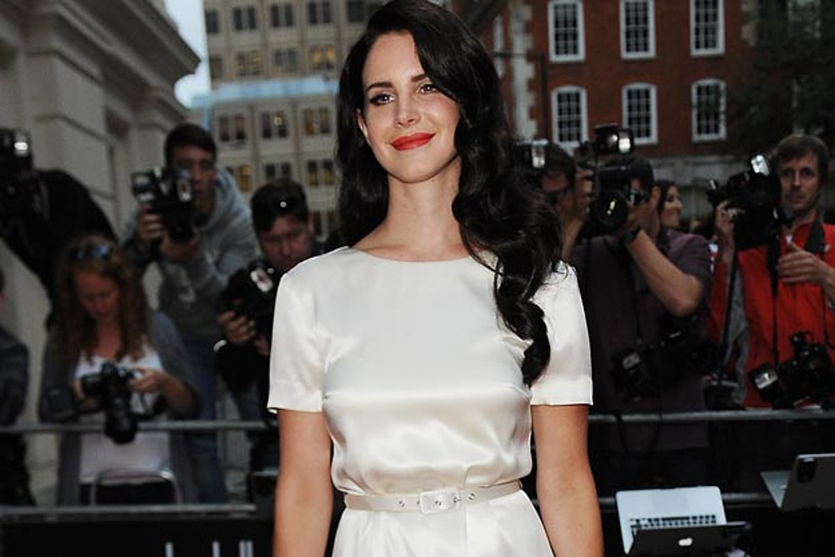 Lana Del Rey Named Woman of the Year by British GQ, Goes