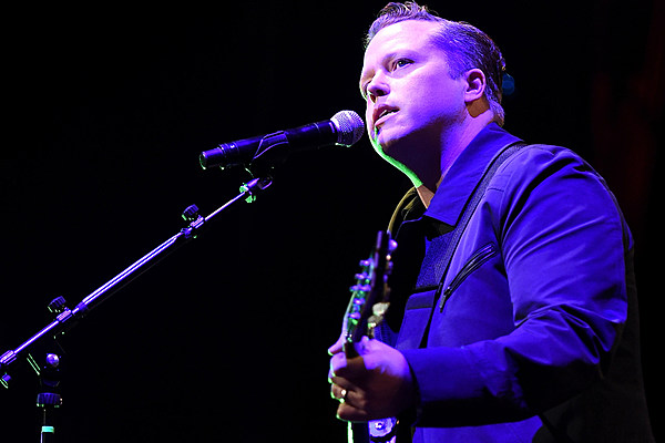 jason isbell honest rock and roll at nyc 39 s beacon theatre. Black Bedroom Furniture Sets. Home Design Ideas