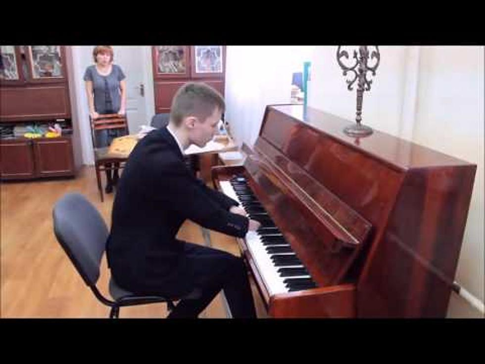This 15 Year Old Taught Himself To Play The Piano, and He