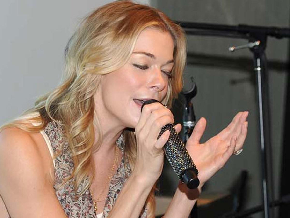 LeAnn Rimes' Offers Surprising Twist on Covers Album 'Lady ...