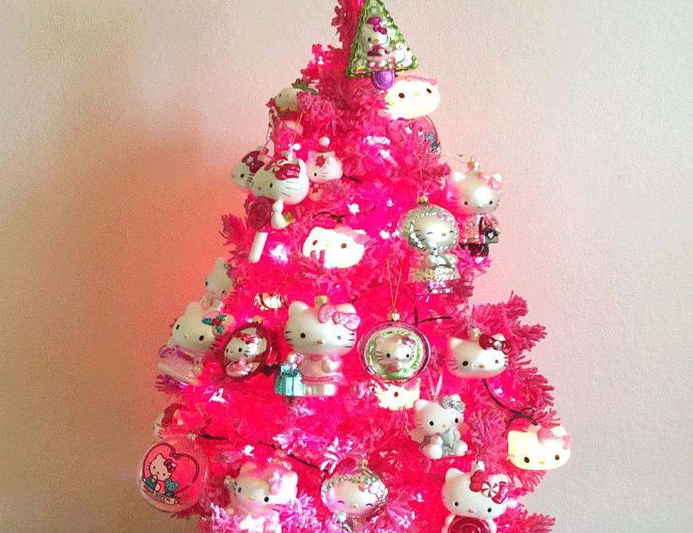 Hello Kitty Christmas Tree.Teacher Ordered To Remove Hello Kitty Christmas Tree