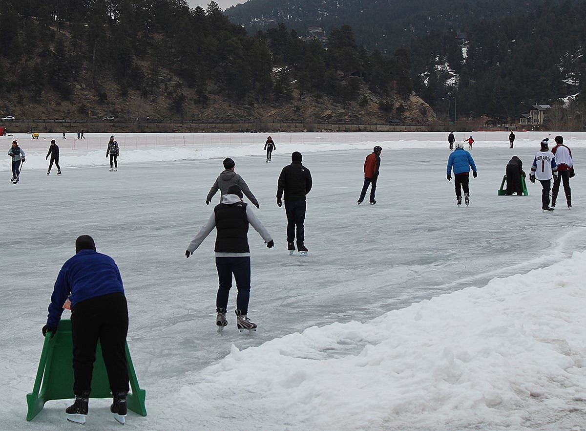 8.5-Acre Zamboni-Groomed Outdoor Colorado Ice Rink Opens