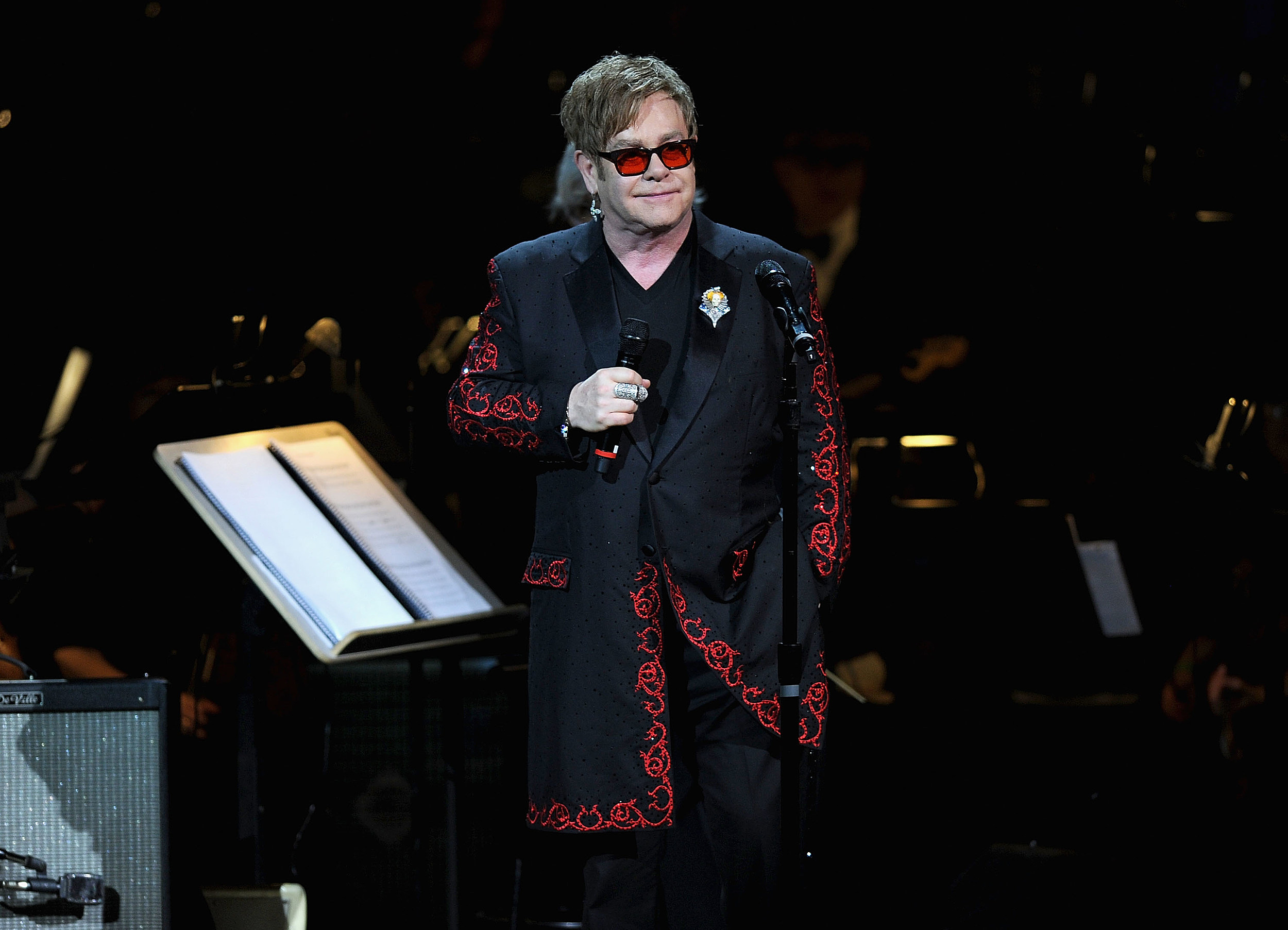 Rock Report Elton John Including Live John Lennon Footage In Vegas Show