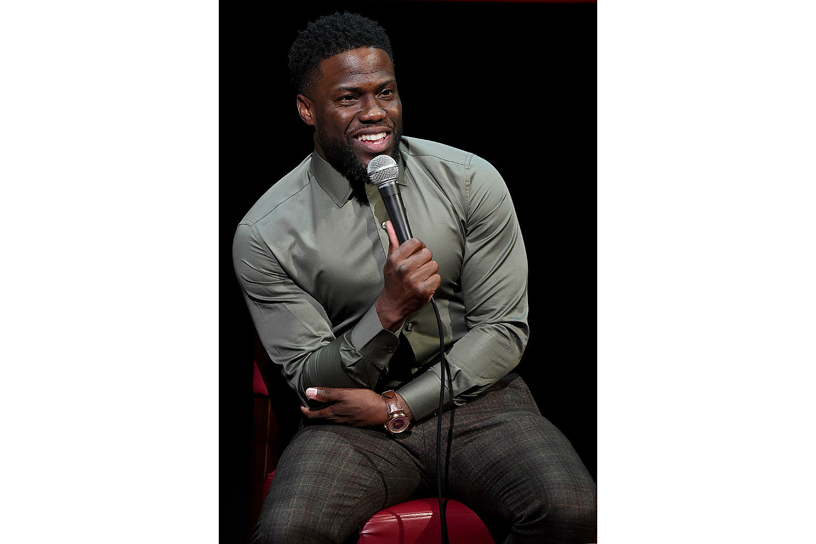 Todays r2s kevin hart is moved by nigerian fans talent