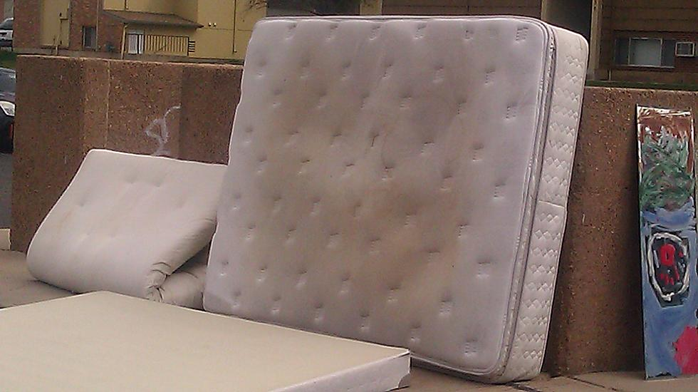 How to Dispose of an Old Mattress in Fort Collins?
