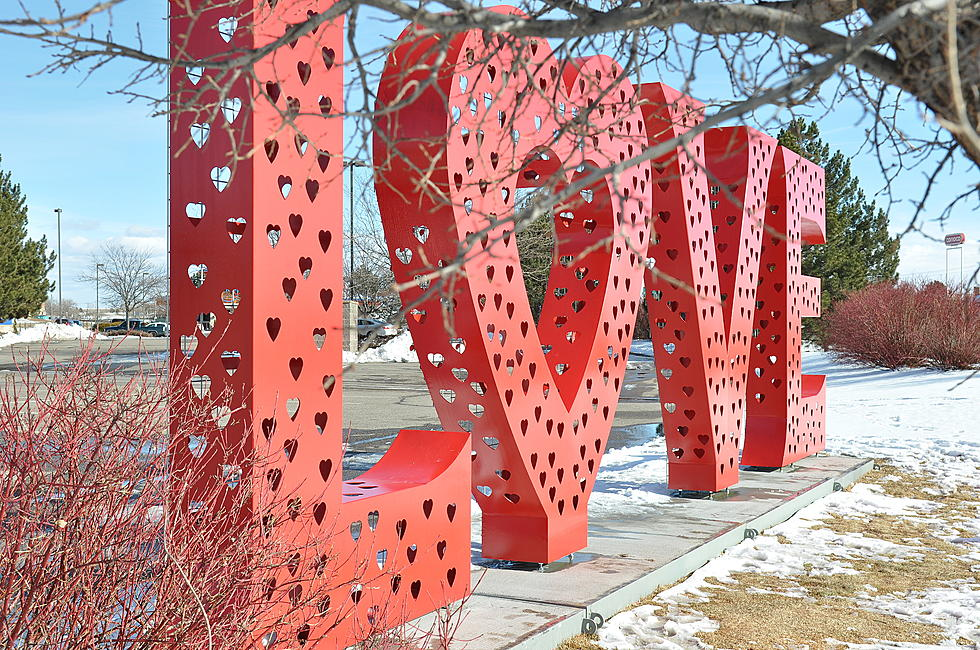 Watch Time-Lapse of Loveland's L-O-V-E Sculpture Being Setup