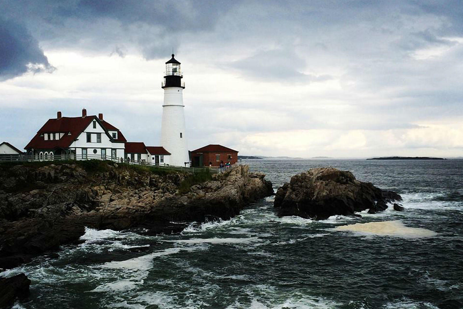 8 Haunted Maine Lighthouses To See This Summer Map