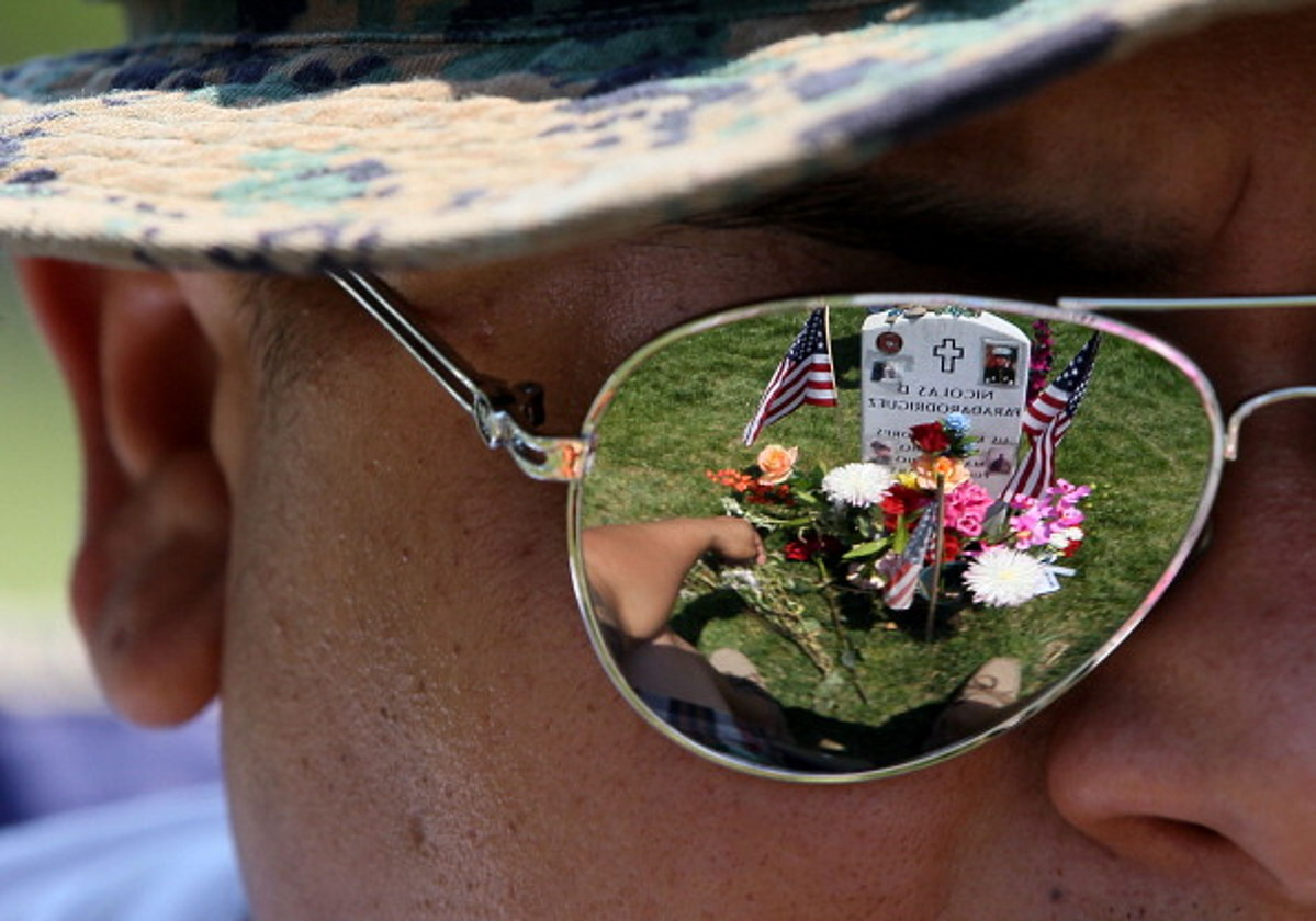 The Difference Between Memorial Day and Veteran's Day