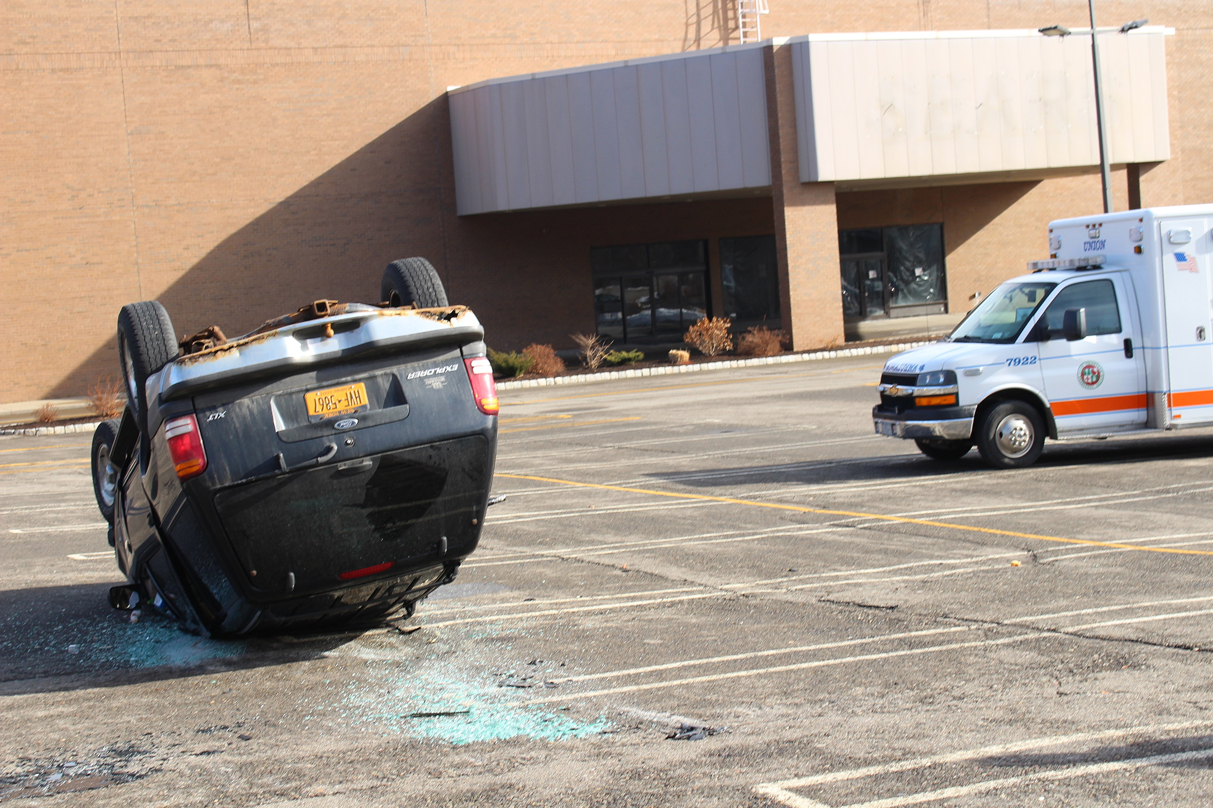 SUV Rollover Shakes Up Passengers at Oakdale Mall