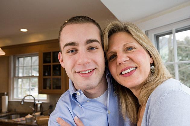 Busty Mam und Sohn