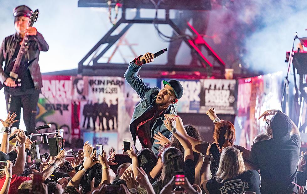 hook up at concert
