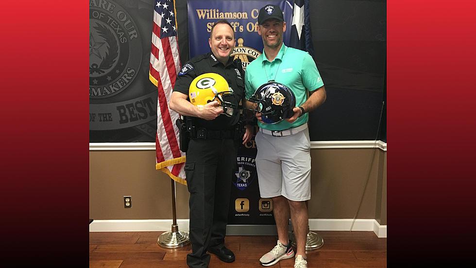 NFL Star Mason Crosby Made Honorary Williamson County Deputy