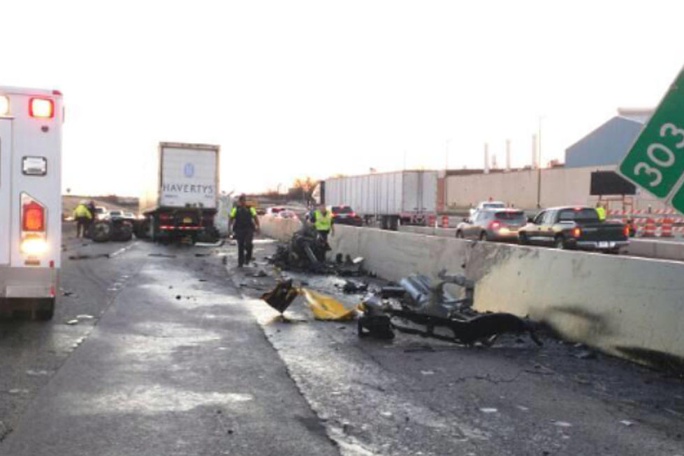 18-Wheeler Accident Shuts Down Northbound I-35 Near Exit 303 in Temple