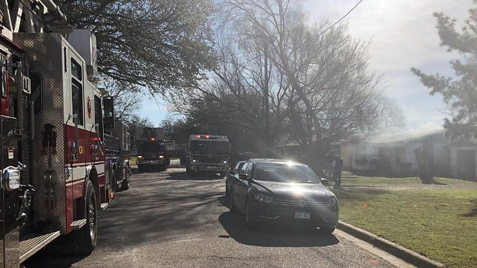 Multiple Fire Departments Respond to Lacy Lakeview House Fire