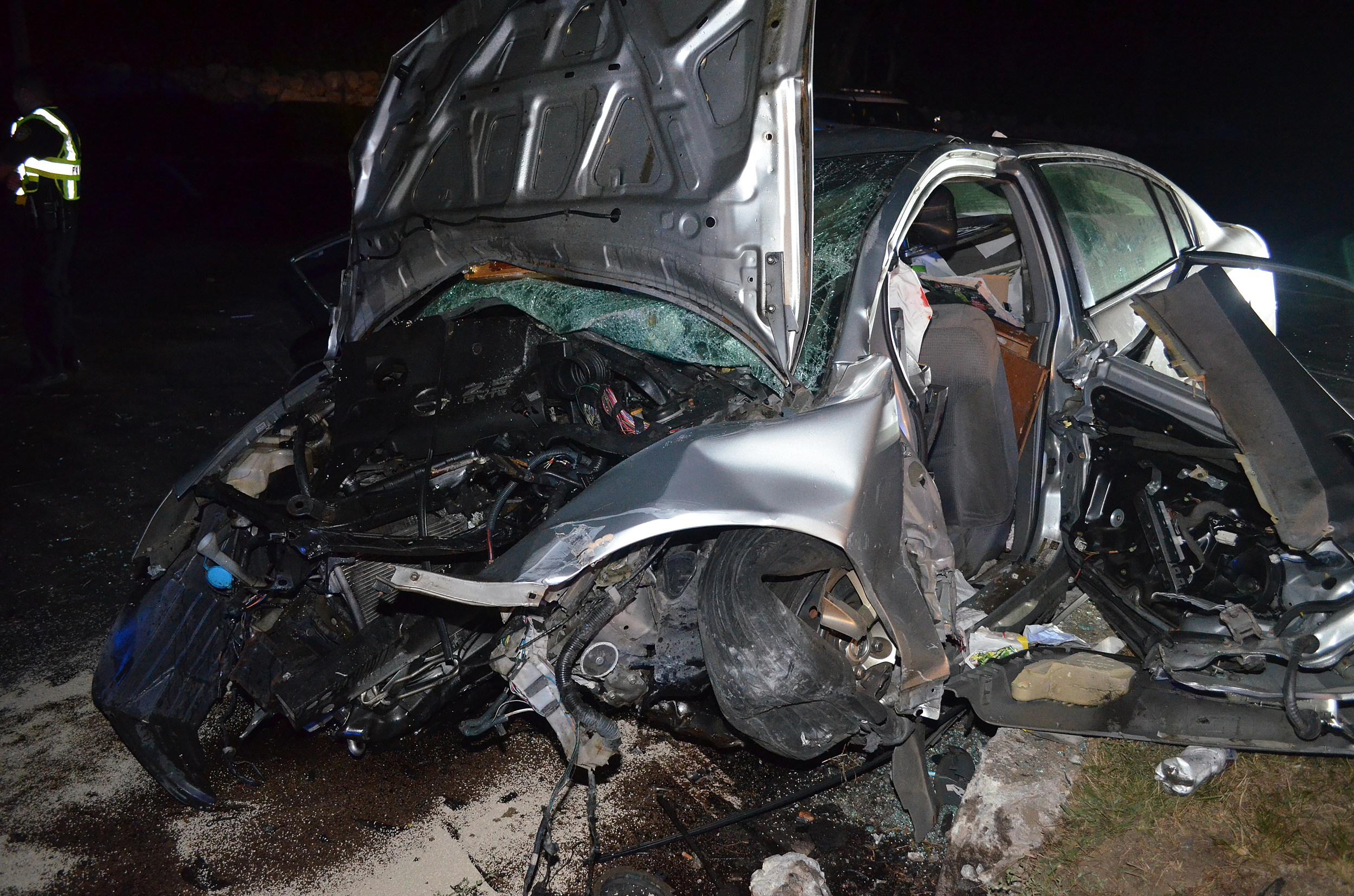 Man Dies After Single-Car High Speed Crash in Westport
